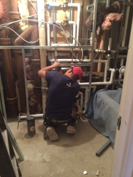 #Mamais workforce installing #metal stud #framing. What's your next #project? Call us today! bit.ly/1gcjWeK