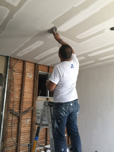 #Mamais workforce #taping #surfaces. What's your next #project? Call us today! bit.ly/1gcjWeK